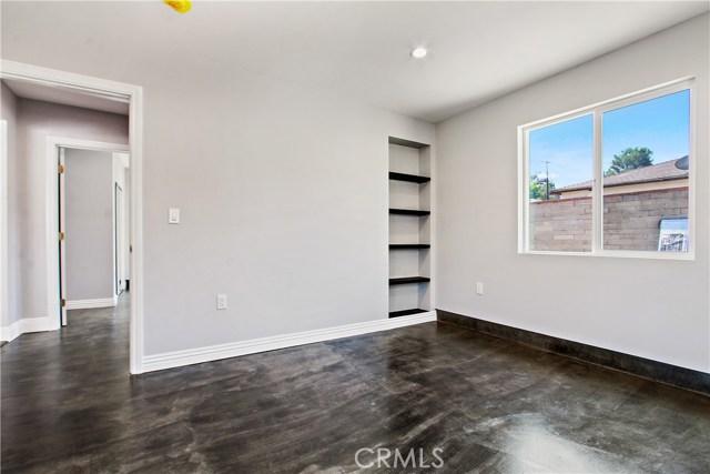 8614 Wentworth Street, Sunland CA: http://media.crmls.org/mediascn/b37786f8-32a5-4511-9848-78f1204e9eec.jpg