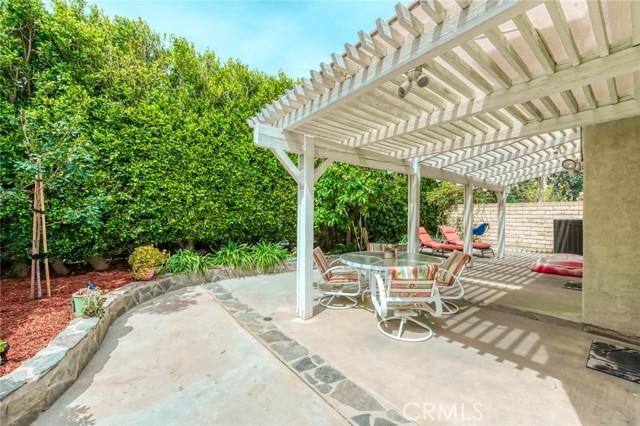 19830 Crystal Ridge Lane, Porter Ranch CA: http://media.crmls.org/mediascn/b395286b-dbdf-42ec-9009-df2d6dc70a8d.jpg