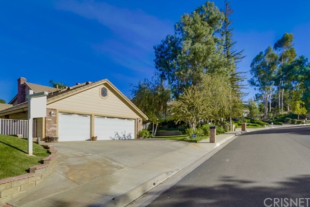 Single Family Home for Sale at 24588 Peachland Avenue Newhall, California 91321 United States