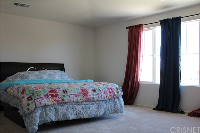 43942 Windrose Place, Lancaster CA: http://media.crmls.org/mediascn/b3f99969-8c2f-422d-8e4f-d19343f3a826.jpg