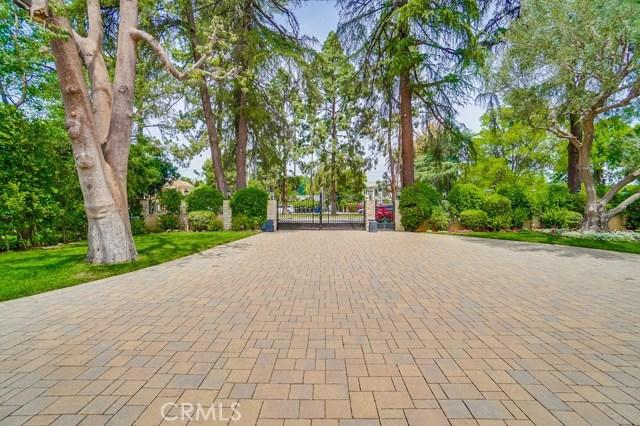 13728 Chandler Boulevard, Sherman Oaks CA: http://media.crmls.org/mediascn/b4088ffa-7d6e-4a56-8fba-662d08df3a0e.jpg