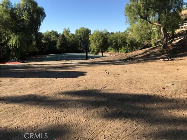 6051  Spring Valley Road 6051  Spring Valley Road Hidden Hills, California 91302 United States
