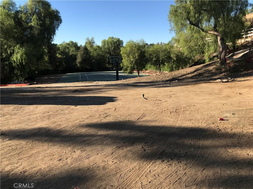 Property Listing: 6051 Spring Valley Road, Hidden Hills