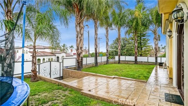 Casa Unifamiliar por un Venta en 1151 E Elmwood Avenue Burbank, California 91501 Estados Unidos