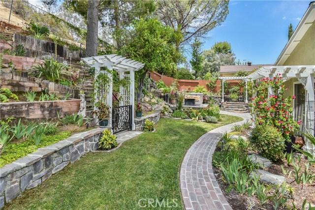 23242 Redbud Ridge Circle, Valencia CA: http://media.crmls.org/mediascn/b46a1f19-2439-4f26-846f-14ee624665d2.jpg