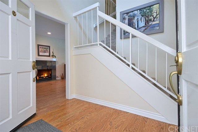 23307 Weller Place, Woodland Hills CA: http://media.crmls.org/mediascn/b4713732-5bd9-463f-8d74-fc3050fd519d.jpg
