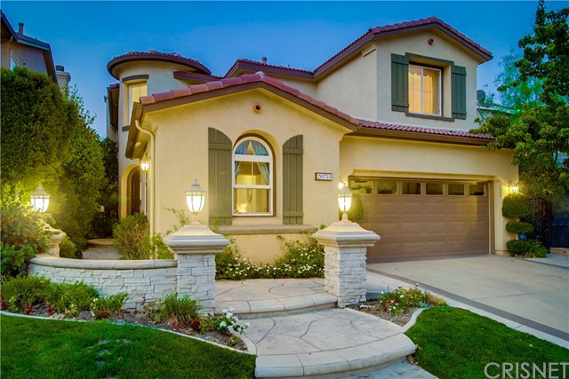20755 Bergamo Way, Porter Ranch CA: http://media.crmls.org/mediascn/b4bf7048-693a-4908-bf41-7b221c2710ca.jpg