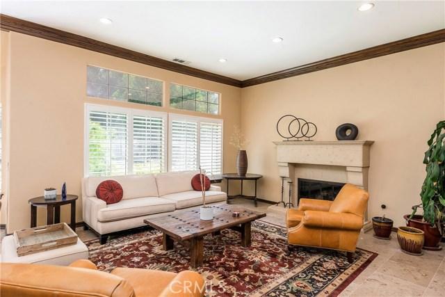 11900 Andasol Avenue, Granada Hills CA: http://media.crmls.org/mediascn/b4c6456b-38a6-41a2-9c11-6d4081da9f24.jpg