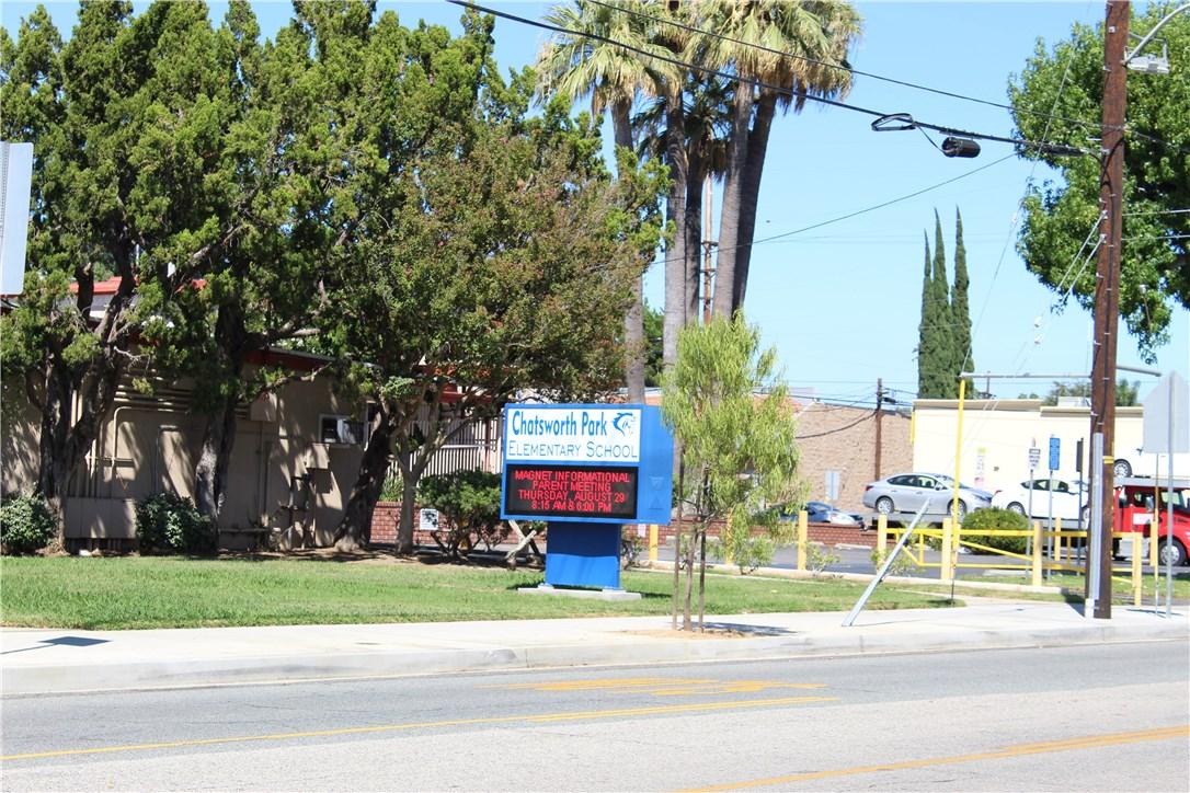 22125 Devonshire Street, Chatsworth CA: http://media.crmls.org/mediascn/b4d733d0-5858-4d7e-b503-1fe0bc50d720.jpg