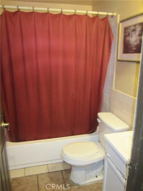 14908 Oswald Street, Sylmar CA: http://media.crmls.org/mediascn/b50954ea-d2cf-4247-bf96-abda821b0d8f.jpg