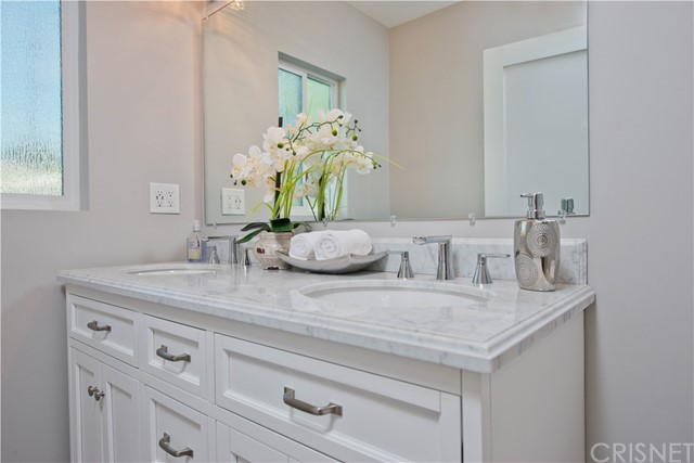 6542 Yarmouth Avenue Reseda, CA 91335 - MLS #: SR17245343