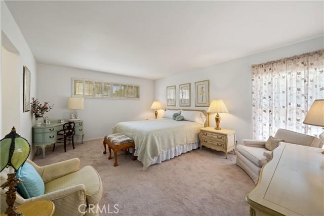 1408 Strawberry Hill Road, Thousand Oaks CA: http://media.crmls.org/mediascn/b546e6dd-9a4f-40ae-a601-356a81331855.jpg