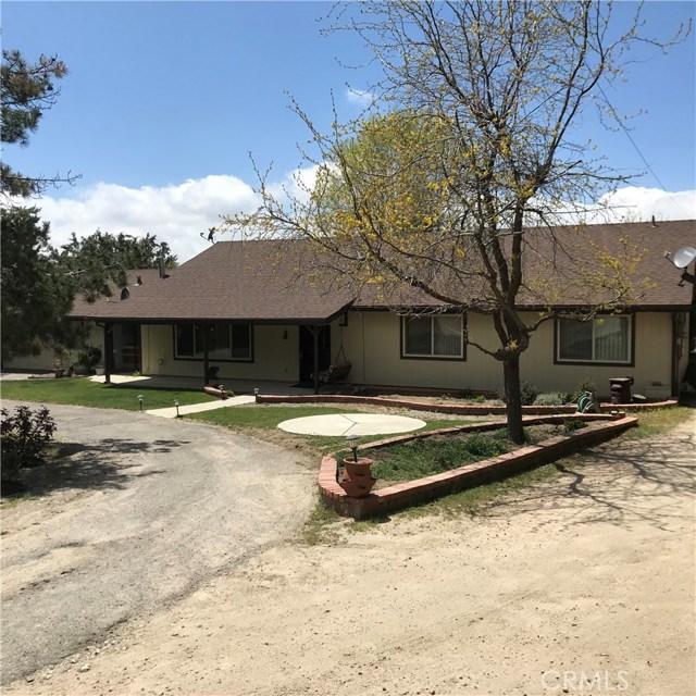 23821 Coyote Court, Bear Valley Springs CA: http://media.crmls.org/mediascn/b54895f4-571f-485b-b4c2-831bb52e1d98.jpg
