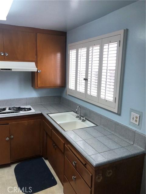 6622 Franrivers Avenue, West Hills CA: http://media.crmls.org/mediascn/b5761d18-e01b-4d94-870f-df9aa2eaeb6b.jpg