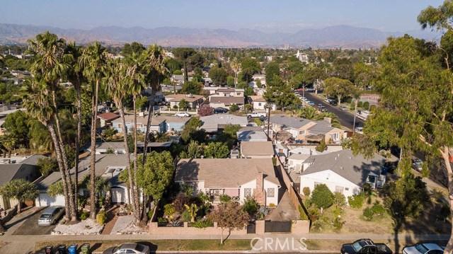 8708 Hazeltine Avenue, Panorama City CA: http://media.crmls.org/mediascn/b5a64bff-857c-49b2-955a-423731471c7c.jpg