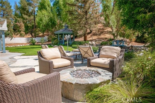 11900 Andasol Avenue, Granada Hills CA: http://media.crmls.org/mediascn/b5b35fe5-ced1-4440-9775-e8f8e4b1534a.jpg