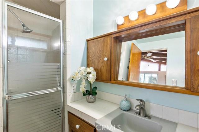 10624 Gaviota Avenue, Granada Hills CA: http://media.crmls.org/mediascn/b5f24260-829d-4cf0-84bf-70192532ff93.jpg