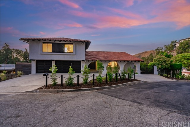 Photo of 4660 Burgundy Road, Woodland Hills, CA 91364