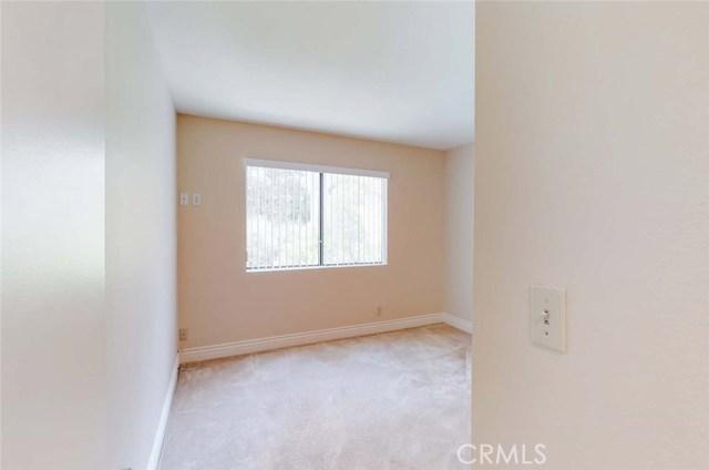 21900 Marylee Street, Woodland Hills CA: http://media.crmls.org/mediascn/b6236235-832e-4c41-8e7f-52f5cd4237d1.jpg