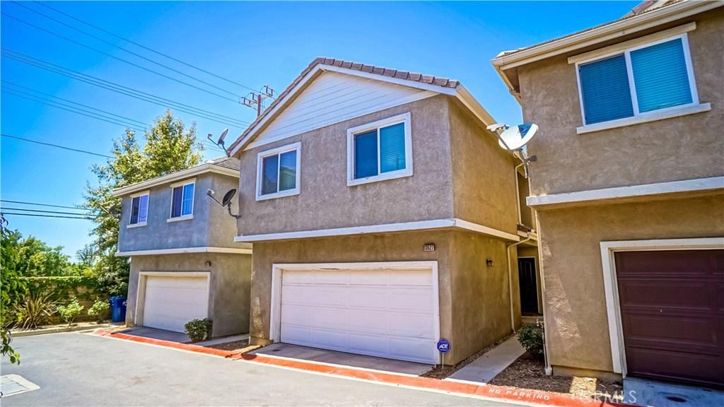 13527 GOLDEN PALMS Lane, Sylmar, CA 91342