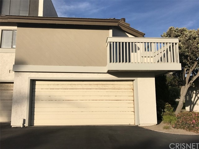 Townhouse for Sale at 3684 Sunset Lane Oxnard, California 93035 United States