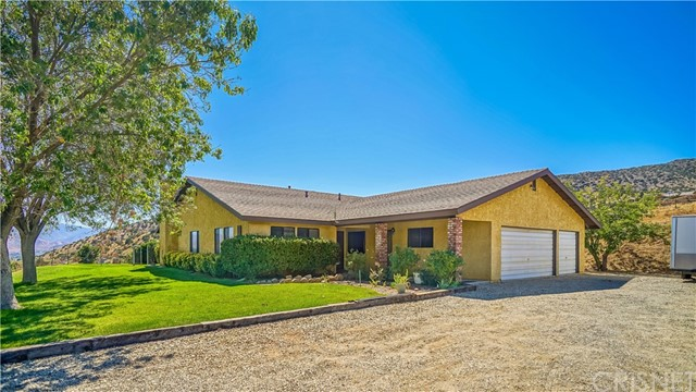 Casa Unifamiliar por un Venta en 5980 Valley Sage Road Acton, California 93510 Estados Unidos