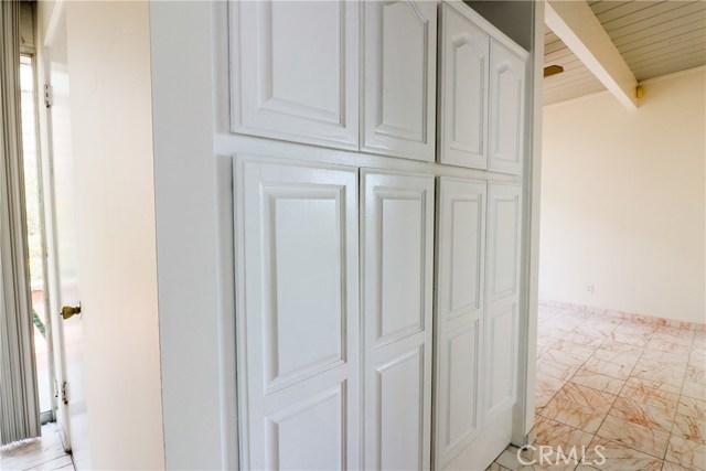12662 Jimeno Avenue, Granada Hills CA: http://media.crmls.org/mediascn/b6b62d11-2dc7-45e9-9bac-fd05b388dd72.jpg