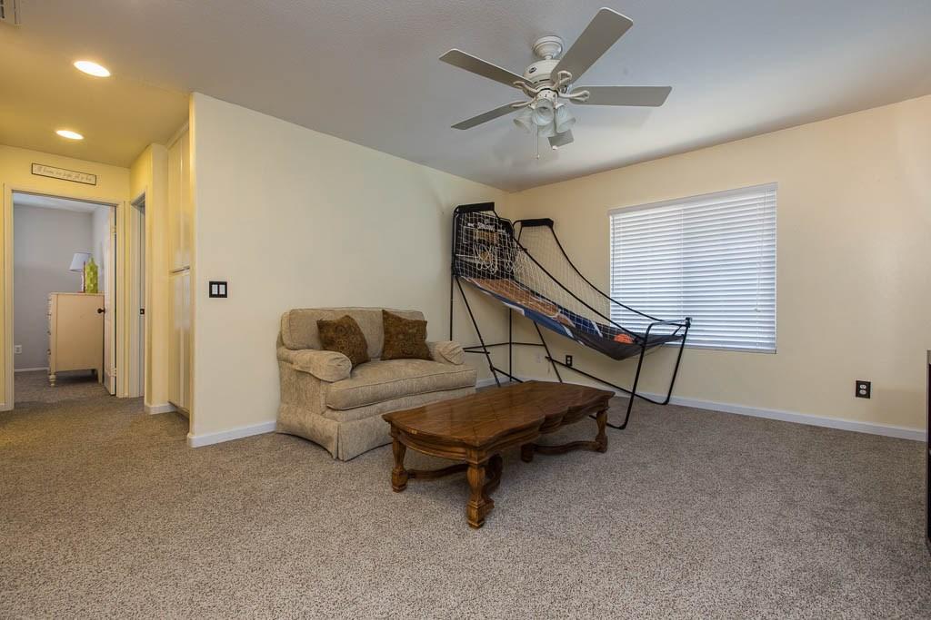 37512 Lemonwood Drive, Palmdale CA: http://media.crmls.org/mediascn/b6cbe926-1c90-4f15-a204-27f0eef9328a.jpg