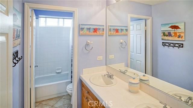 25938 Pope Place, Stevenson Ranch CA: http://media.crmls.org/mediascn/b6cee9ae-f79d-4cb0-ae07-d74f59bb2e51.jpg