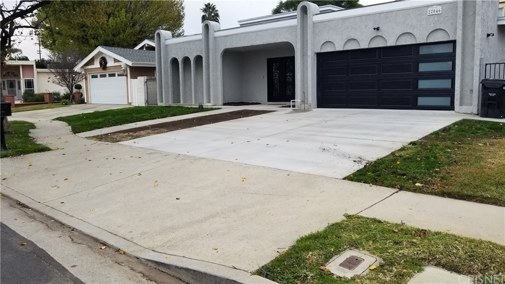 Photo of 22046 KINZIE STREET, Chatsworth, CA 91311