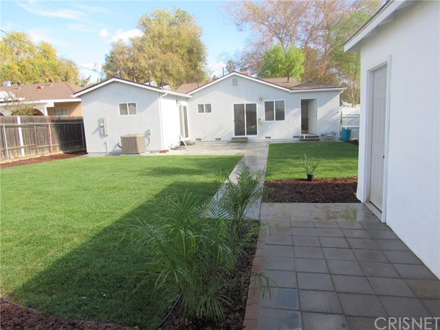 8927 Canby Avenue, Northridge CA 91325