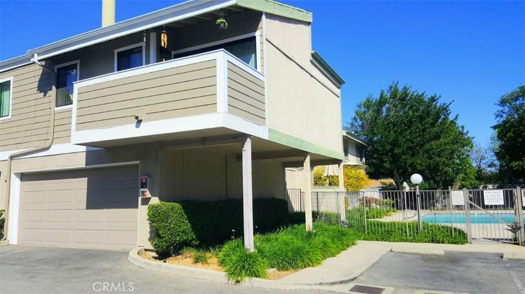 10750 WOODLEY Avenue 3, Granada Hills, CA 91344