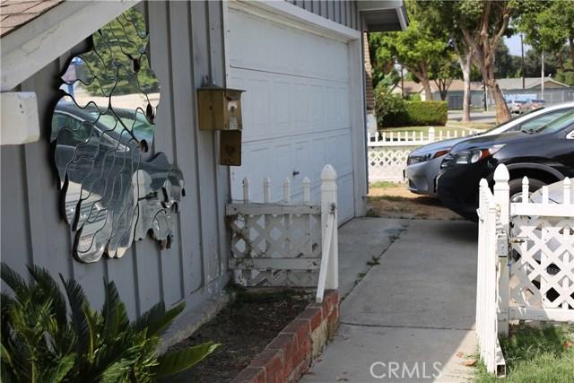 11750 214th Street, Lakewood CA: http://media.crmls.org/mediascn/b7654520-16ea-4ef8-abda-4587ccf875e6.jpg