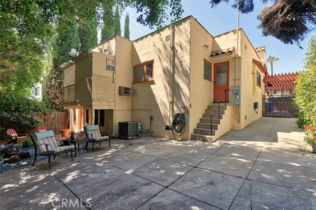 1522 Pandora Avenue, Westwood - Century City CA: http://media.crmls.org/mediascn/b77cbf86-1b70-499c-9b49-3c219f852086.jpg