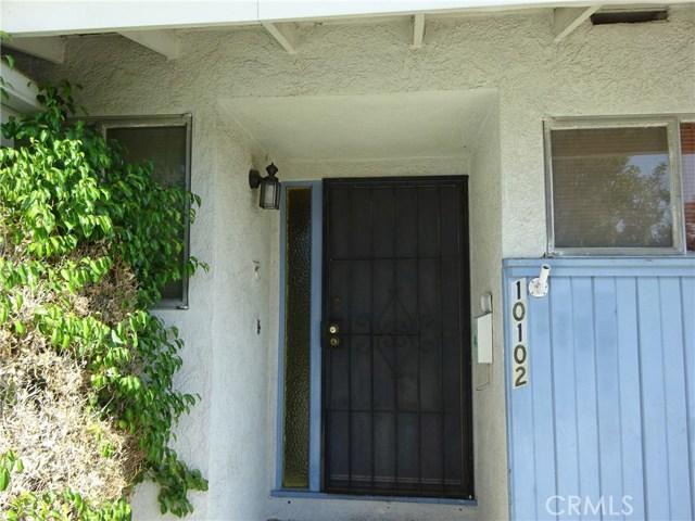 10102 Debra Avenue, North Hills CA: http://media.crmls.org/mediascn/b790553f-a16b-4212-8f22-520413720419.jpg