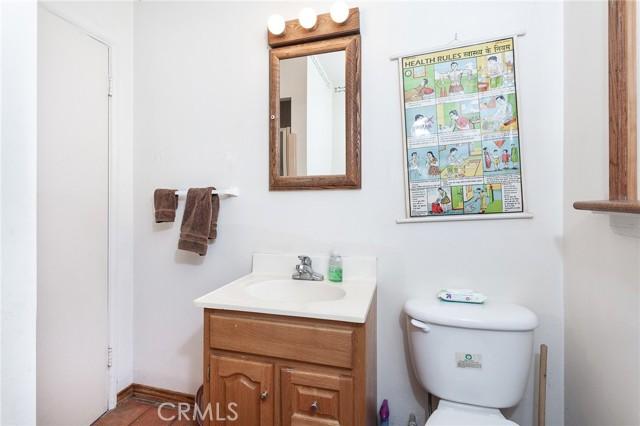 5706 Costello Avenue, Valley Glen CA: http://media.crmls.org/mediascn/b7a5e147-b4a4-4895-acb2-909341a6ac4d.jpg