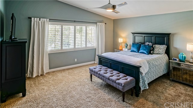 25938 Pope Place, Stevenson Ranch CA: http://media.crmls.org/mediascn/b7b21885-77fa-4719-bb7a-a2bbf76c59a8.jpg