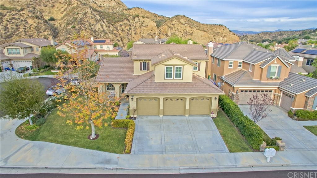 Property for sale at 25851 Royal Oaks Road, Stevenson Ranch,  CA 91381