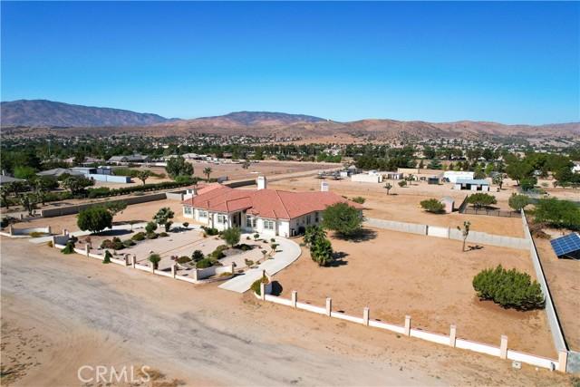 39915 27th W Street, Palmdale CA: http://media.crmls.org/mediascn/b7f2ffbc-d541-467c-a81f-7fb8fa201028.jpg