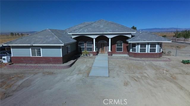 独户住宅 为 销售 在 1527 La Linda Lane Rosamond, 93560 美国