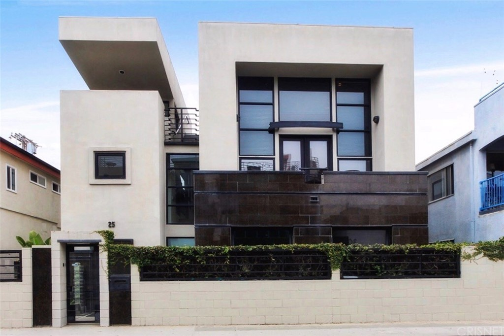 Photo of 25 SOUTH VENICE BOULEVARD, Venice, CA 90291