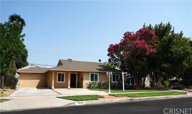 Property for sale at 7860 Lasaine Avenue, Northridge,  CA 91325