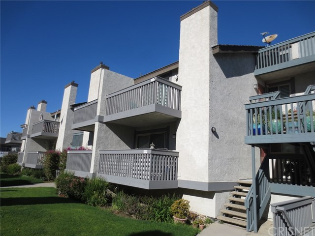 Townhouse for Sale at 3040 Sunset Lane Oxnard, California 93035 United States