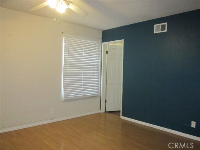 6624 Gross Avenue, West Hills CA: http://media.crmls.org/mediascn/b8923169-77d9-47be-a432-6d709b05d238.jpg