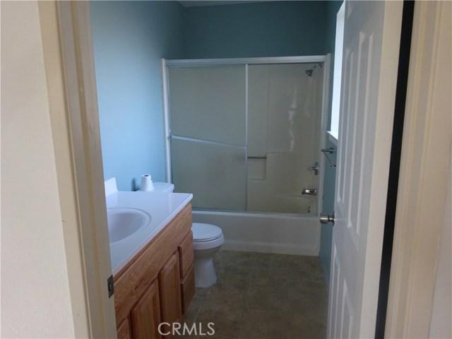 17308 Valeport Avenue, Lancaster CA: http://media.crmls.org/mediascn/b8ea0f09-4ba9-4946-b5b2-422522b697d1.jpg