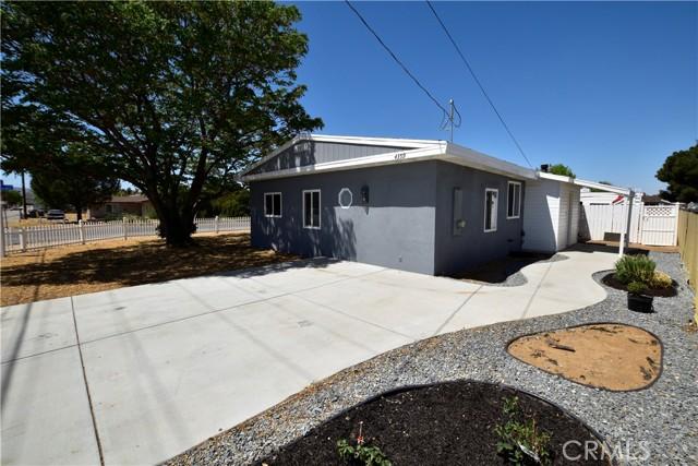 4359 W Avenue L8, Quartz Hill CA: http://media.crmls.org/mediascn/b91bf06b-a158-447f-bbe9-552a0aae88a6.jpg