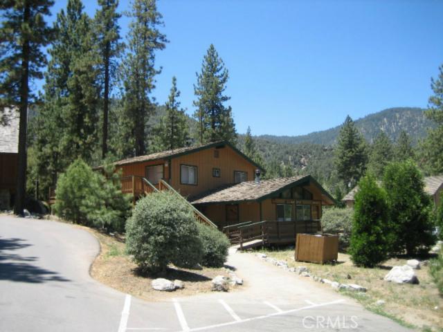 16401 Grizzly, Pine Mtn Club CA: http://media.crmls.org/mediascn/b95529ef-13dc-4ffa-a205-39736ef70db6.jpg