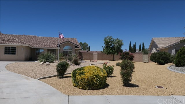 13726 Ivanpah Rd, Apple Valley, CA 92307 Photo