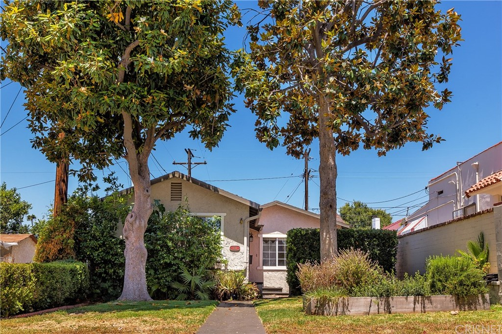 1211 LINDEN Avenue, Glendale, CA 91201