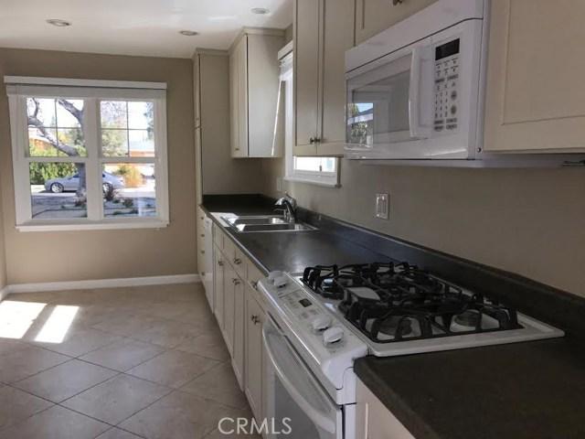 7427 Lena Avenue, West Hills CA: http://media.crmls.org/mediascn/b9fd2714-a7be-4761-959e-5c60bd68f31a.jpg